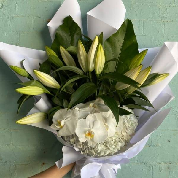 White Ruffles Bouquet